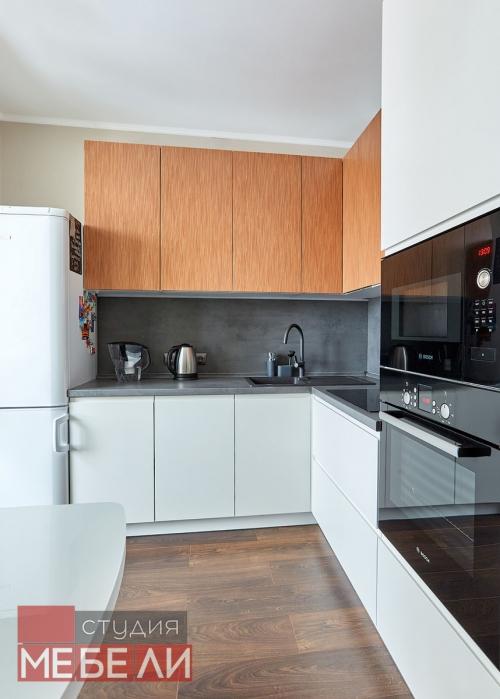 Эргономичная угловая кухня из постформинга