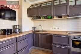 Стильная и современная кухня из массива