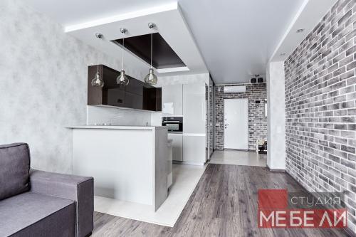 Современная светлая кухня из акрила