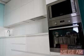 Минималистичная кухня из акрила