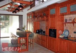 Кухня из массива ясеня в классическом стиле